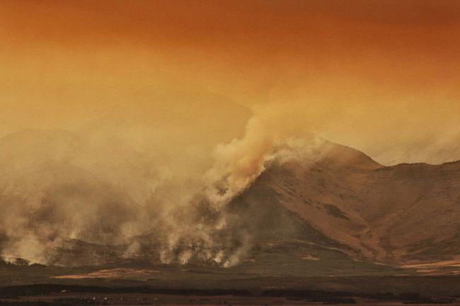 Kenow wildfire spreads beyond Waterton