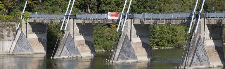 The Thames River dam. (DEREK RUTTAN, The London Free Press)