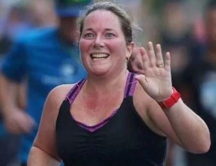 Port Elgin's Cheryl Barnard competed in the half-marathon at the Detroit Free Press/Chemical Bank run Oct. 15. windsor Free Press
