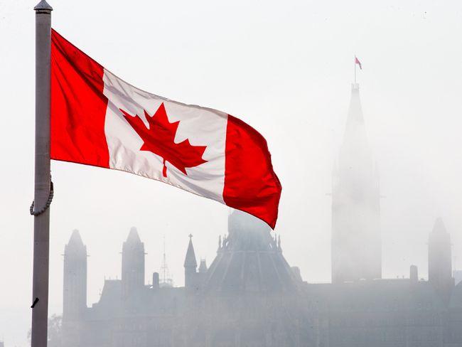 Ottawa's parliamentary budget officer doesn't see a balanced budget until after 2022. Wayne Cuddington/ Postmedia