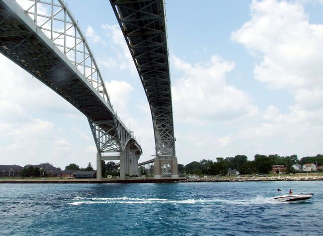 Blue Water Bridge (Postmedia Network file photo)
