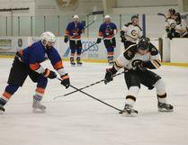 The Carman Beavers took on the Portage Islanders on home ice Nov. 7. (EMILY DISTEFANO)