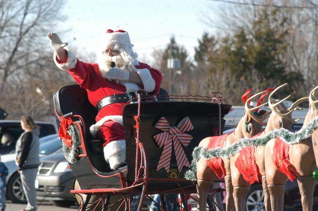 Wallaceburg Santa Claus parade 2016 file picture