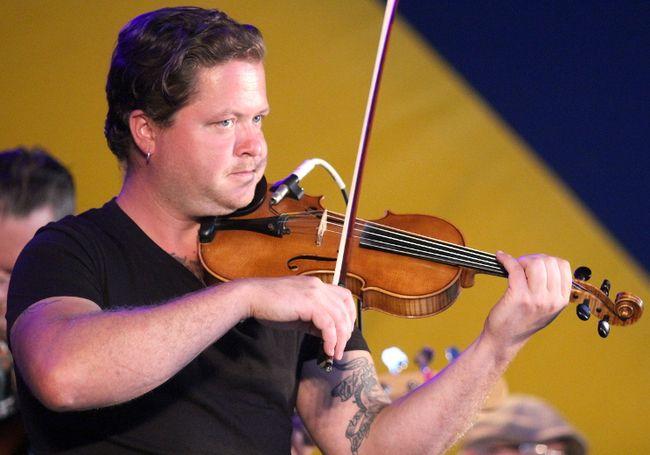 Sheldon Jaaskelainen performs at Rotaryfest in July 2017.