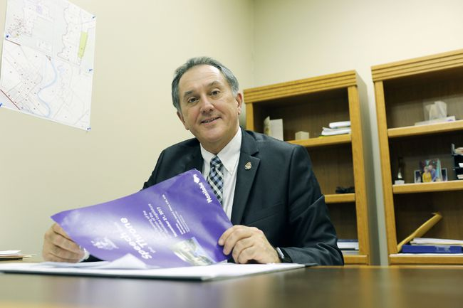 Selkirk MLA Alan Lagimodiere reviews the Throne Speech, which was presented at the Manitoba Legislature Nov. 21. (Brook Jones/Selkirk Journal/Postmedia Network)