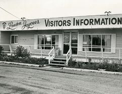 Visitor Information Bureau on Wellington Road, 1973. (London Free Press files)