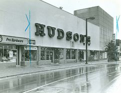 Hudson's on Dundas Street east near Adelaide, 1984. (London Free Press files)
