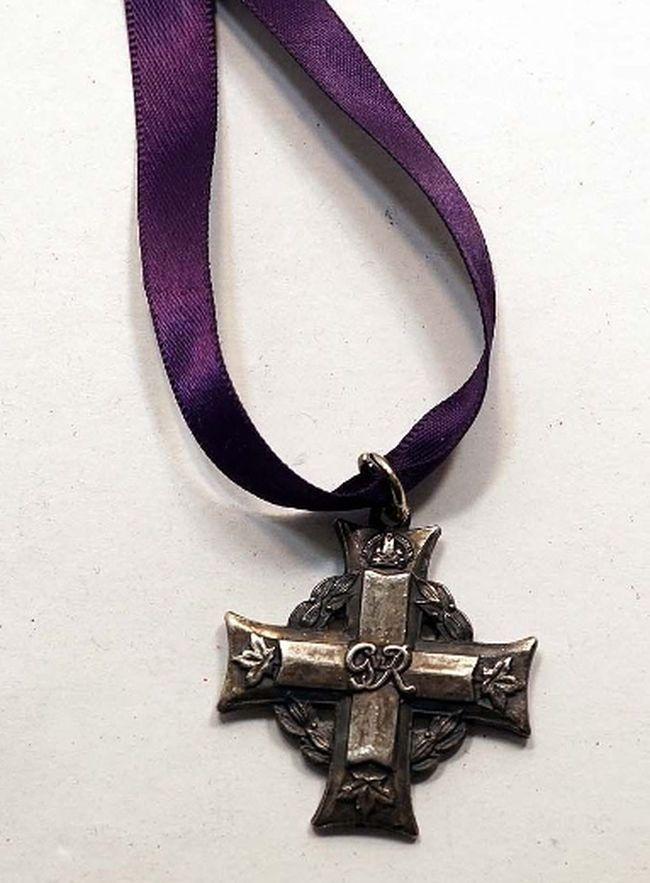 The Memorial Cross medal of Lance Bombardier Warren John Edwin Langley is being sold on EBay.