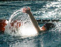 Lucas Belbeck swims with his manikin during the Wetaskiwin Chill lifesaving meet Jan. 21. Sarah O. Swenson/Wetaskiwin Times