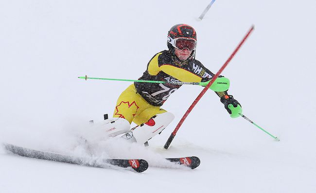 Joshua Nielsen, of Ecole secondaire Macdonald-Cartier, competes in the boys slalom race at the high school alpine ski championship at Adanac Ski Hill in Sudbury, Ont. on Wednesday February 7, 2018. John Lappa/Sudbury Star/Postmedia Network