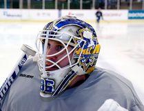 Anyang Halla goalie Matt Dalton on the ice at the Anyang Ice Arena in Seoul, South Korea. (Photo by Uno Yi)