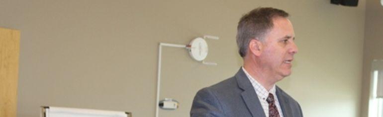 Tom Weegar is stepping down as president of Cumberland College.