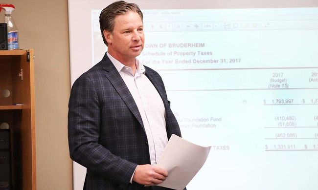 Metrix Group LLP's Phil Dirks went through the latest financial audit to Bruderheim town council on April 4.