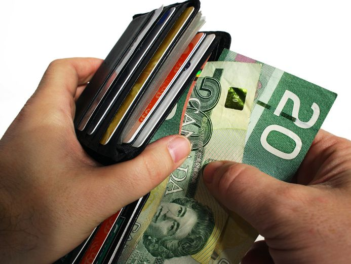 Guaranteed minimum income would cost Ottawa $76 billion a year, budget watchdog says