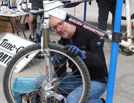 James Friesen checks out a bike as part of Pay it Forward month. (LAUREN MACGILL, Winkler Times)