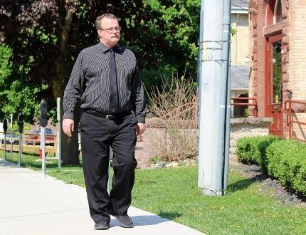 John Paul Stone walks towards the Perth County Courthouse on Thursday, May 24, 2018 in Stratford, Ont. Terry Bridge/Stratford Beacon Herald/Postmedia Network