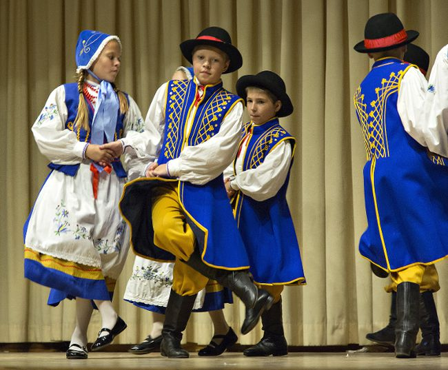 Brian Thompson/The ExpositorYoung Potok dancers perform at the Polish Warszawa Village.
