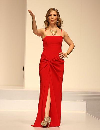 Celebrity: Actress Megan Follows Designer: David Dixon (VERONICA HENRI, Toronto Sun)