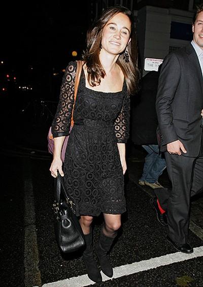 Pippa Middleton arriving at Blue Bird restaurant on the Kings Road London, England November 29, 2007. (WENN.COM)