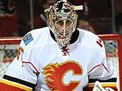 Flames backup Henrik Karlsson will face the Stars tonight in Calgary. (QMI Agency/Jocelyn Malette)