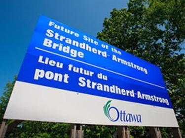 The Strandherd-Armstrong Bridge site. (ERROL MCGIHON/SUNMEDIA)