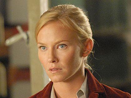 Kelli Giddish stars in the new Fox series Past Life.