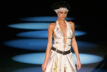 A model presents a creation by Ukrainian designer Larisa Lobanova during Ukrainian Fashion Week in Kiev on Oct. 16, 2009.  (REUTERS)