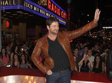Actor Gerard Butler arrives at the 2009 MTV Video Music Awards in New York, September 13, 2009.     REUTERS/Lucas Jackson