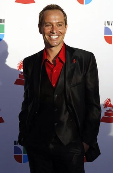 Fashion expert Martin Llorens poses at the 10th annual Latin Grammy awards in Las Vegas, Nevada November 5, 2009.     REUTERS/Steve Marcus