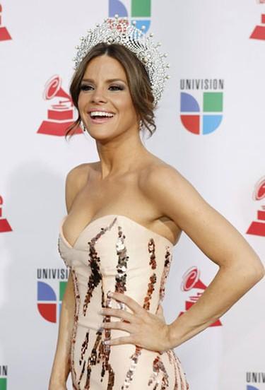 Nuestra Belleza Latina 2009 winner Greydis Gil poses at the 10th annual Latin Grammy awards in Las Vegas, Nevada November 5, 2009.     REUTERS/Steve Marcus