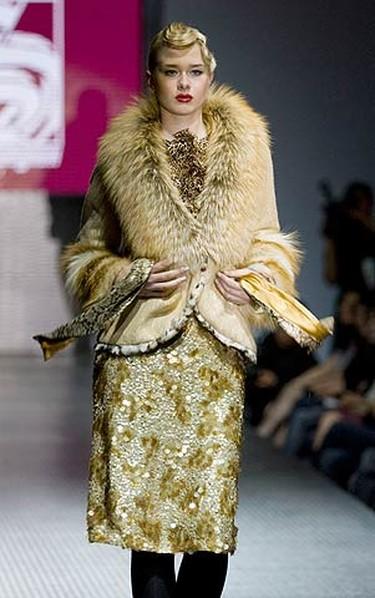 A model presents an outfit by Kazakhstani designer Sergei Shabunin during Kazakhstan Fashion Week in Almaty on May 16, 2009.  (REUTERS)