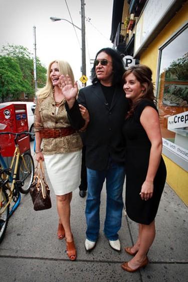 Shannon Tweed and Gene Simmons toured Ottawa's sites Tuesday. (ERROL MCGIHON/Sun Media)
