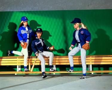 Major League Baseball Barbie (1998)