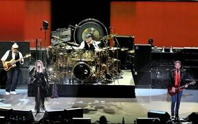 Fleetwood Mac (WENN.COM file photo)