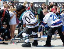 Winnipegers Play On_1
