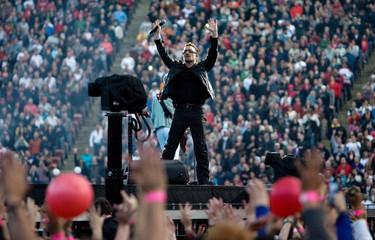 U2 rocks Commonwealth Stadium_5