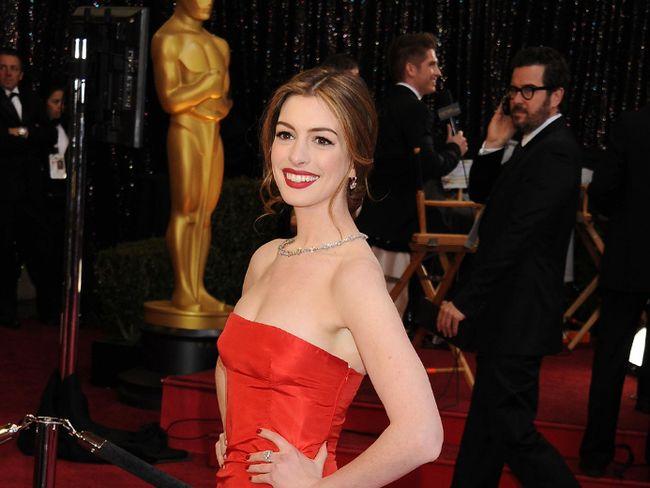 """Anne Hathaway. (<A HREF=""""http://www.wenn.com"""" TARGET=""""newwindow"""">WENN.COM</a> file photo)"""