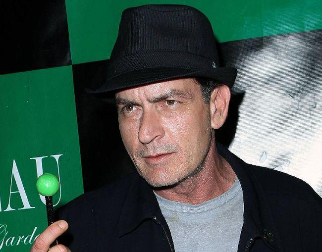 "Charlie Sheen (<A HREF=""http://www.wenn.com"" TARGET=""newwindow"">WENN.COM</a>)"
