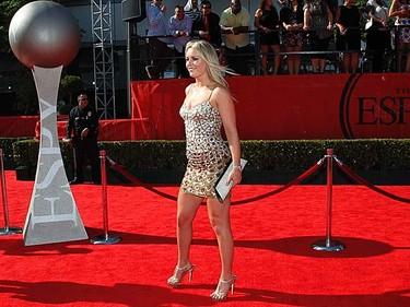 U.S. skier Lindsey Vonn arrives at the 2011 ESPY Awards in Los Angeles on July 13, 2011. (REUTERS/Danny Moloshok)