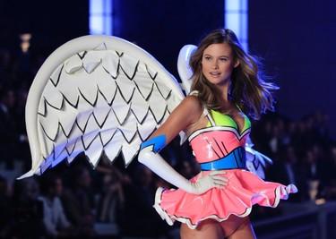 A Victoria's Secret model presents lingerie during the Victoria's Secret Fashion Show at the Lexington Armory in New York November 9, 2011. (REUTERS/Lucas Jackson)