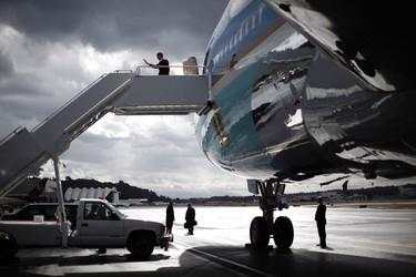 U.S. President Barack Obama arrives in Seattle, Washington, September 25, 2011.  REUTERS/Jason Reed