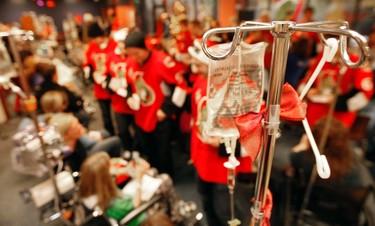 Sens_CHEO8 - December 21, 2011  - Ottawa Senators made a Christmas visit to the Children's Hospital of Eastern Ontario Wednesday, December 21, 2011.  (DARREN BROWN/QMI AGENCY)