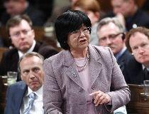 RE_2012_04_30T194436Z_01_OTW04_RTRMDNP_3_CANADA_POLITICS