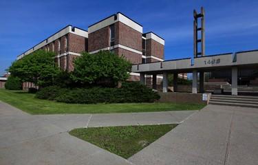 Federal building which will be torn down. Federal Study Centre 1495 Heron Road Ottawa.      Tony Caldwell/Ottawa Sun/QMI Agency