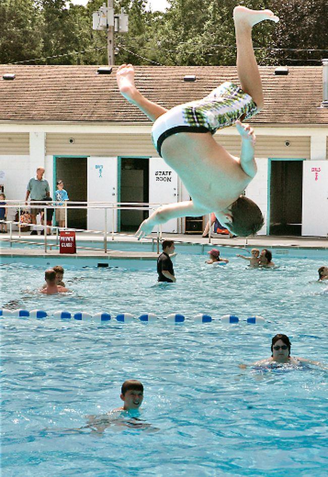 Paris community pool gets 470 000 in funding paris star for Paris public pool
