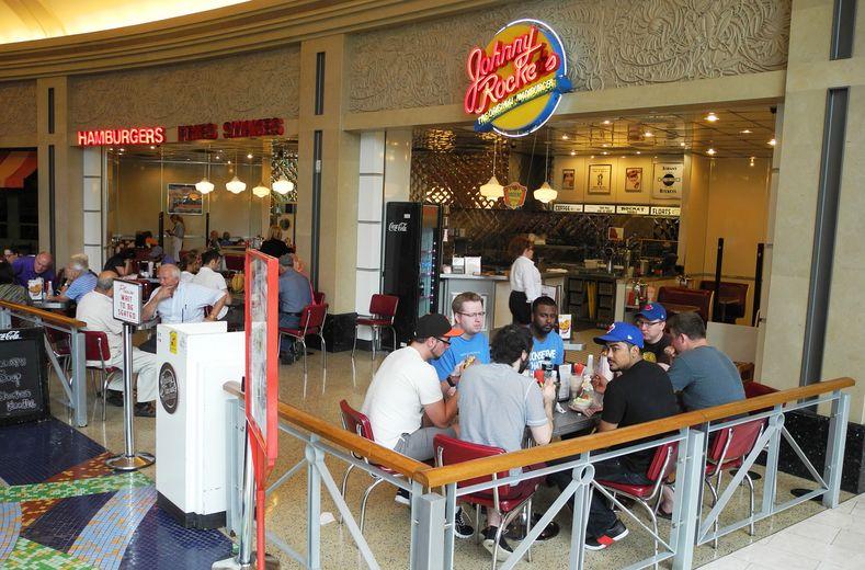 Fallsview casino food court hours