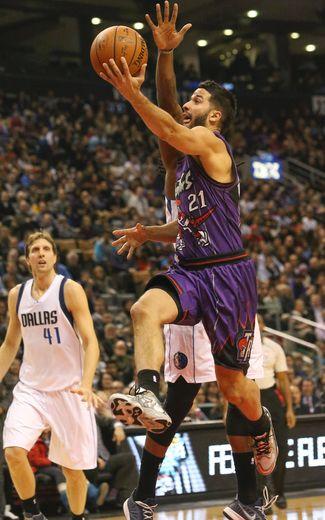 Greivis Vasquez starts at shooting guard for Raptors