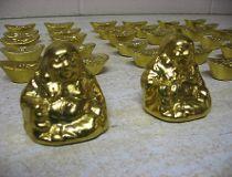 'priceless' gold Buddhas