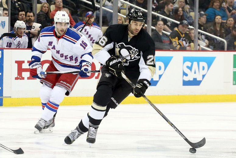 Daniel Winnik likes 'challenge' with Leafs