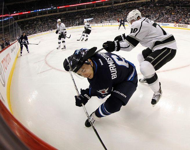Tyler Toffoli's late marker pushes Kings past Winnipeg Jets [Photos]